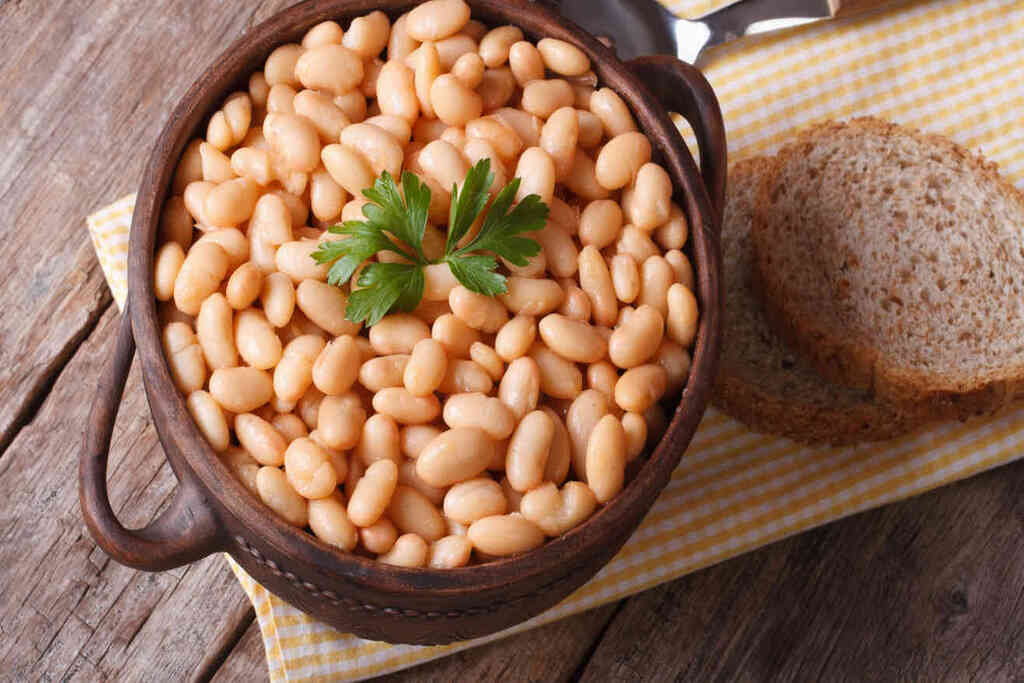 Cooking beans in pressure cooker - featured